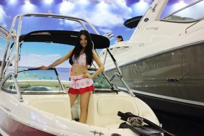 游艇美女3